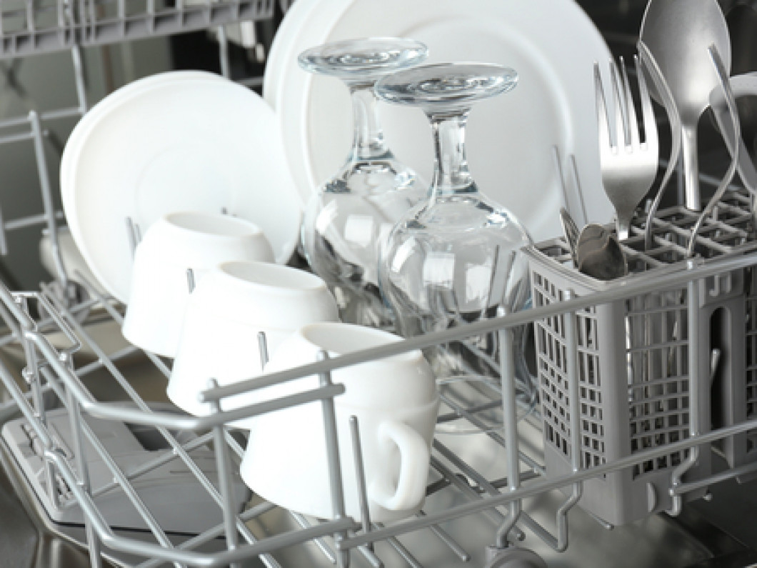 Sick and Tired of Scrubbing Dirty Dishes?